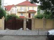 3-эт.дом с бассейном в центре Кишинева на ул.I.Zaikin